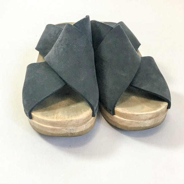No6 Crossover Wedge Clogs - 39