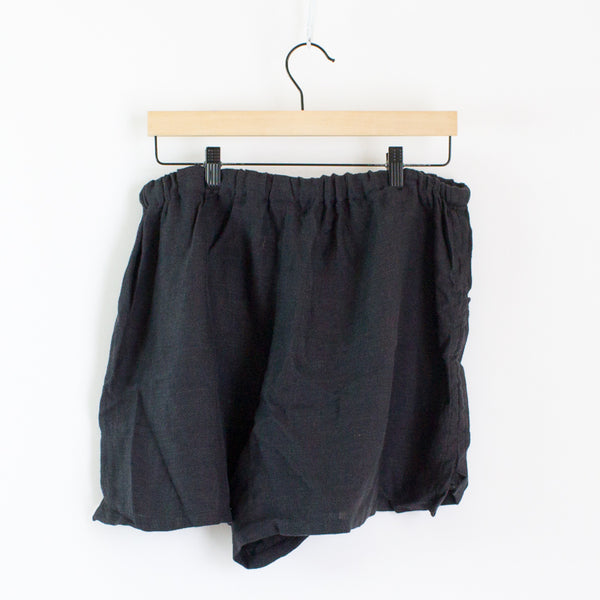 Devlyn Van Loon Structured Shorts - Large