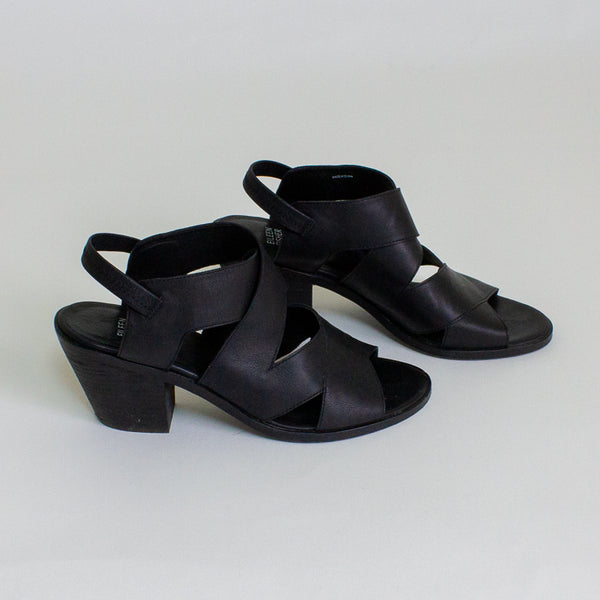 Eileen Fisher Sandals - 10