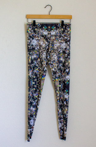 Edge of Urge Leggings - Medium