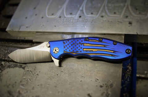 "ZT0562 ""Battle Torn Flag"" Ti scale - Blue and Gold"