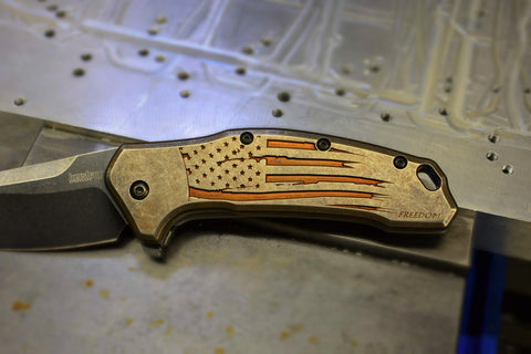 "Kershaw Link ""Battle Torn Flag"" Ti scales"