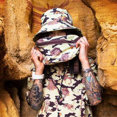 [UNISEX] BANGXGANJI X LOCO MOSQUITO YOKAI CAMO BUM BAG (BROWN / GREEN): Alternate View #7