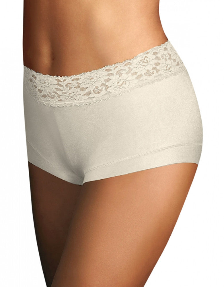 Ivory Front Maidenform Dream Lace Boyshort