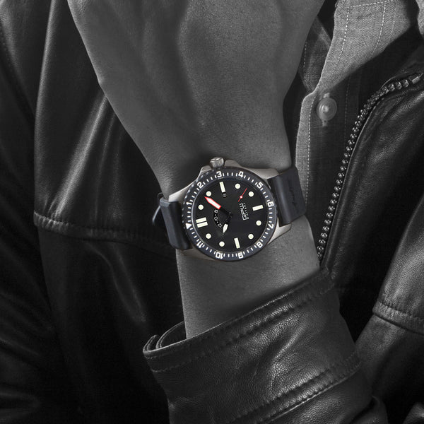 German Military Titanium Watch. GPW GMT Sapphire Crystal. Black Rubber Strap. 200M W/R