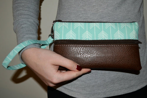 Ainsley Wristlet - Mint Arrow with Dark Brown Vegan Leather - mooi lab