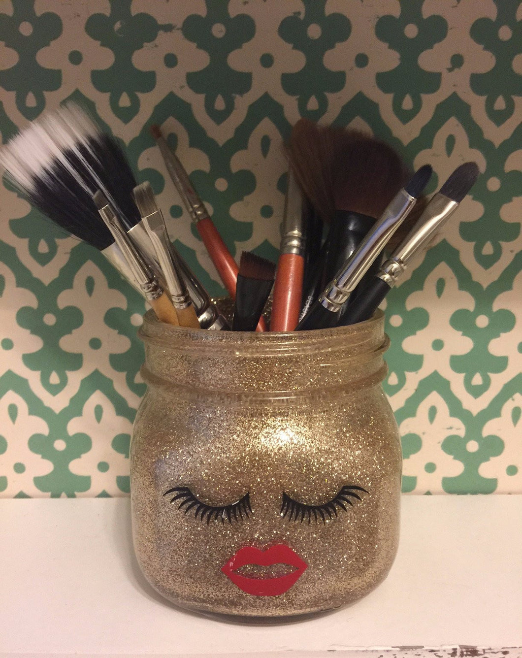 Gold Lash Makeup Brush Holder - mooi lab