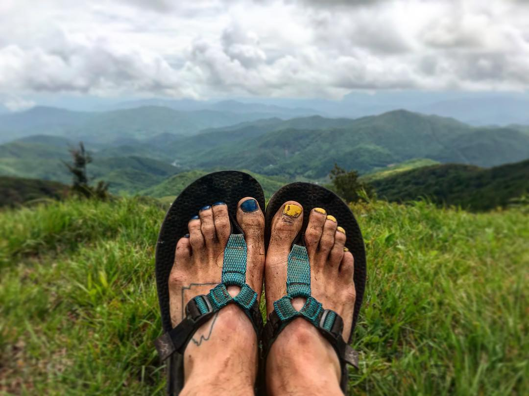 00f27e32ca Thru-Hiking the Appalachian Trail in Sandals: An Interview with Elliot  Schaefer