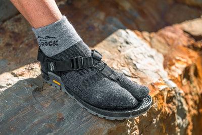 Performance Split-Toe Socks (Granite)