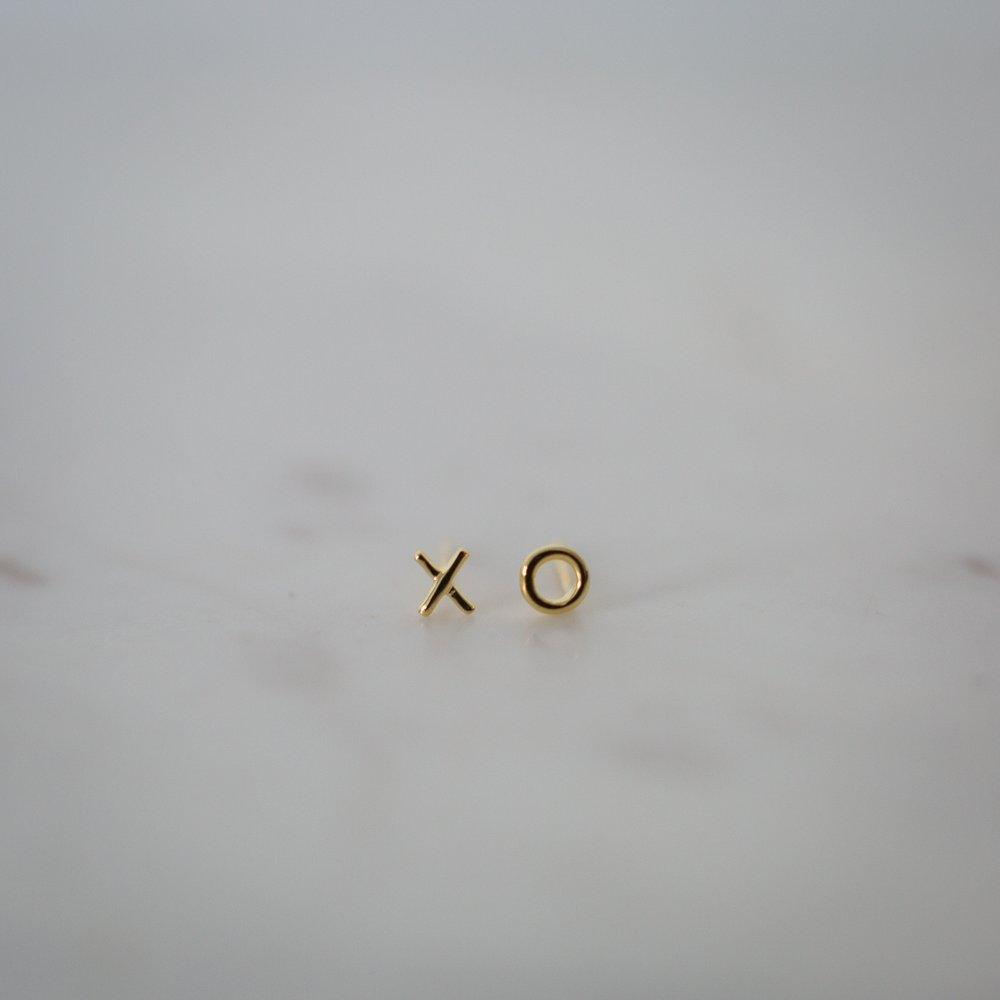 Ex Oh Stud Earrings - Gold