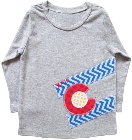 little bean tee : CO Flag chevron L grey