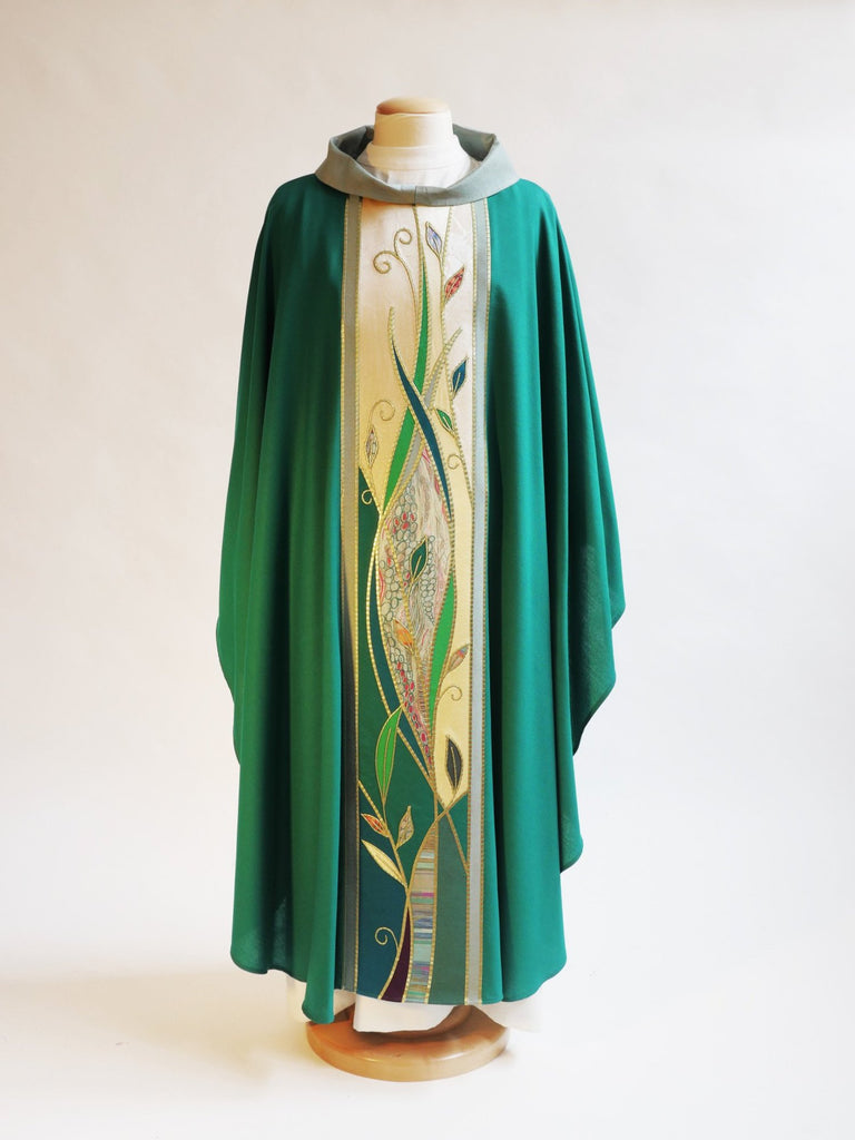 ordinary time green foliage vestment