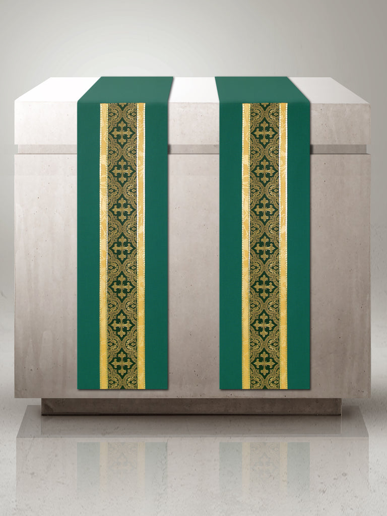 Green Brocade Central Band Altar Scarves