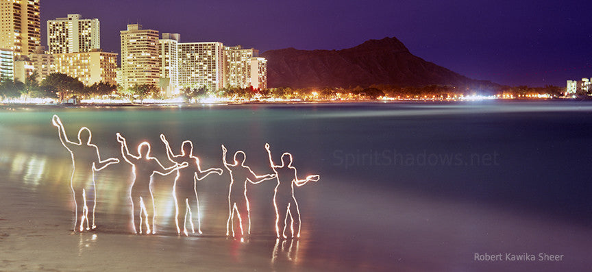 Spirit Hula Girls in Waikiki