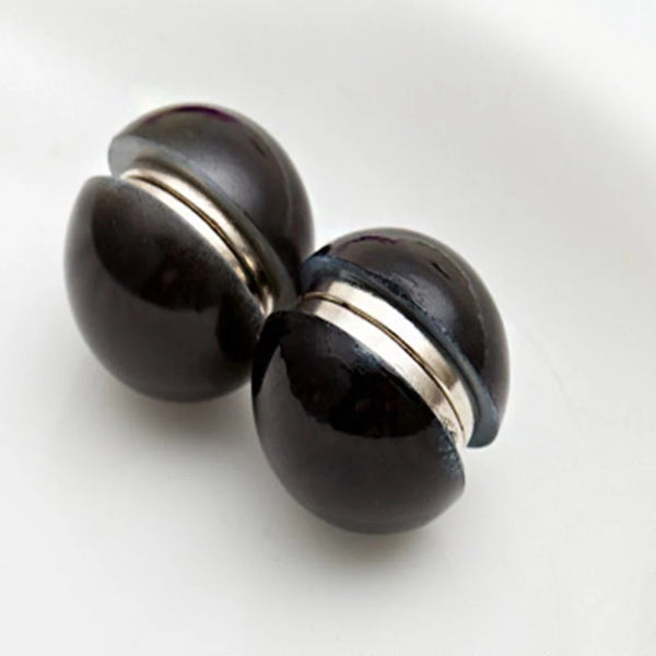 Pearl Magnet Pin- Black