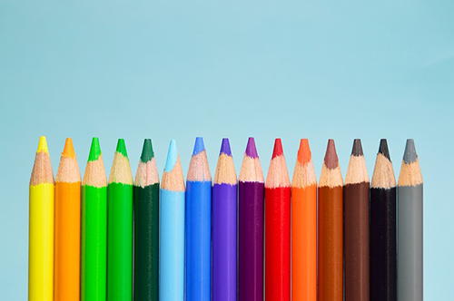 What's the Difference Between Pastel and Colored Pencils?