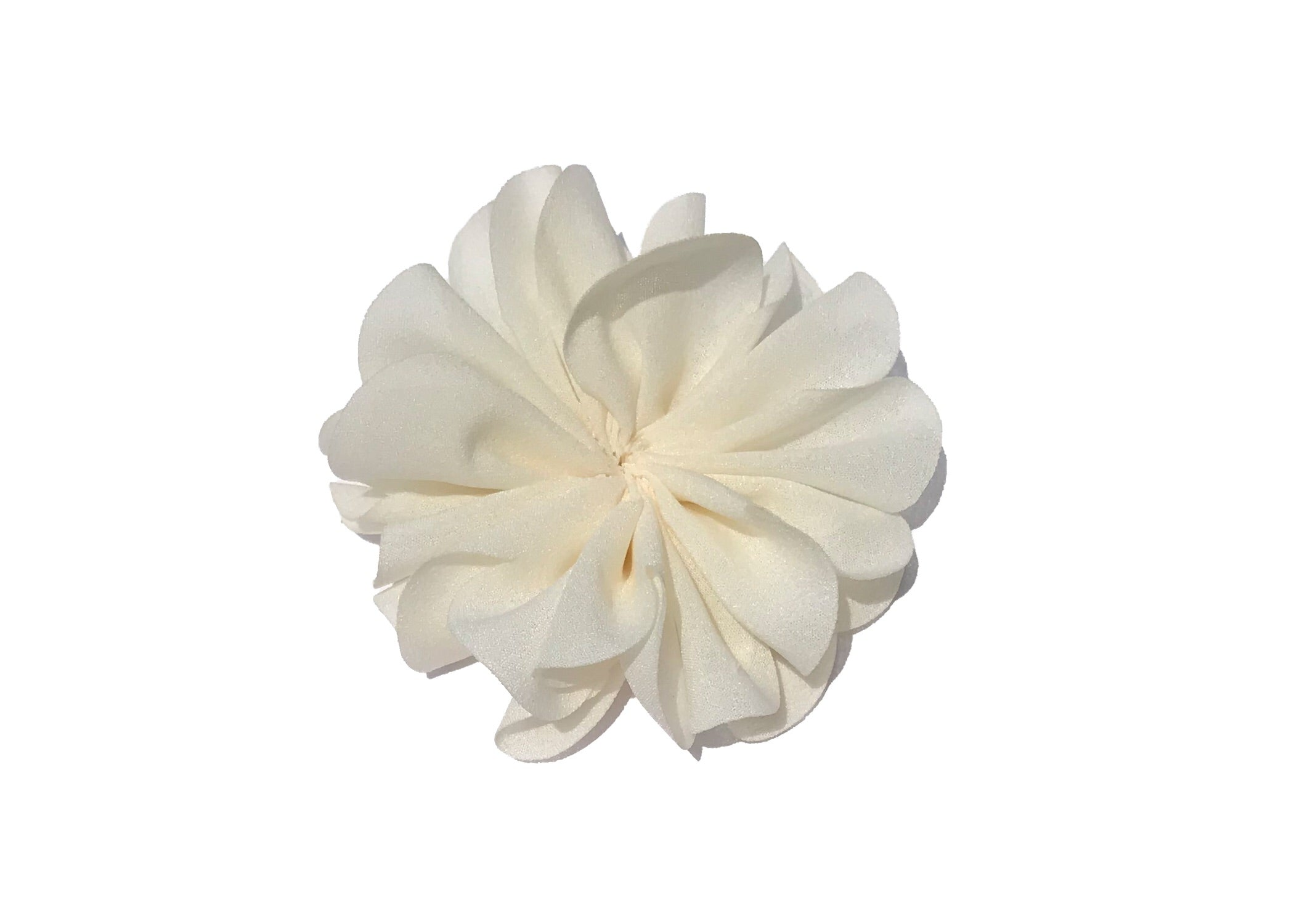 Large Scalloped Flower - Ivory - shabbyflowers.com