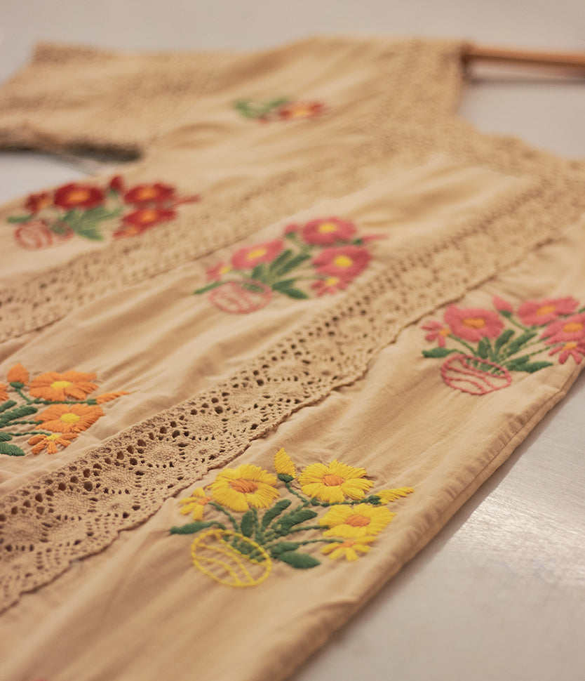 Cream Embroider | 1