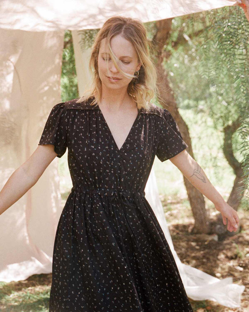 The Dawn Dress Petites | Noir Ditsy Silk-Cotton (Block Printed)