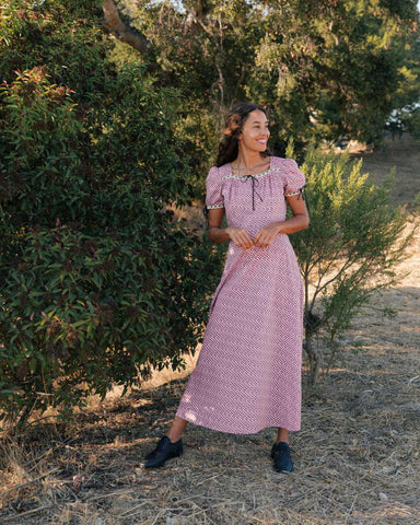 Vintage Style Dresses | Vintage Inspired Dresses The Dolly Dress Thulian Anemone Field $258.00 AT vintagedancer.com