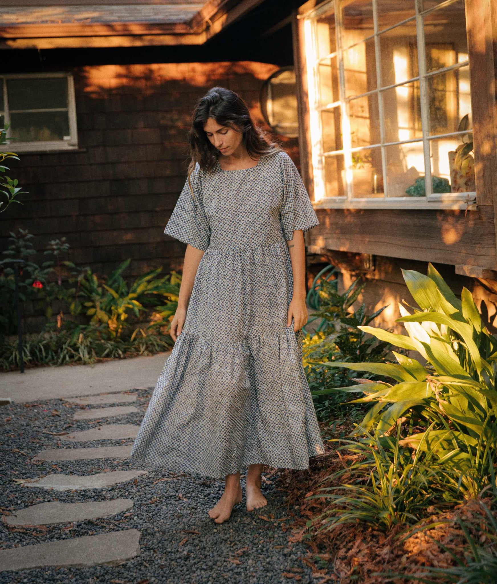 The Theo Dress Petites | Cerulean Anemone Field