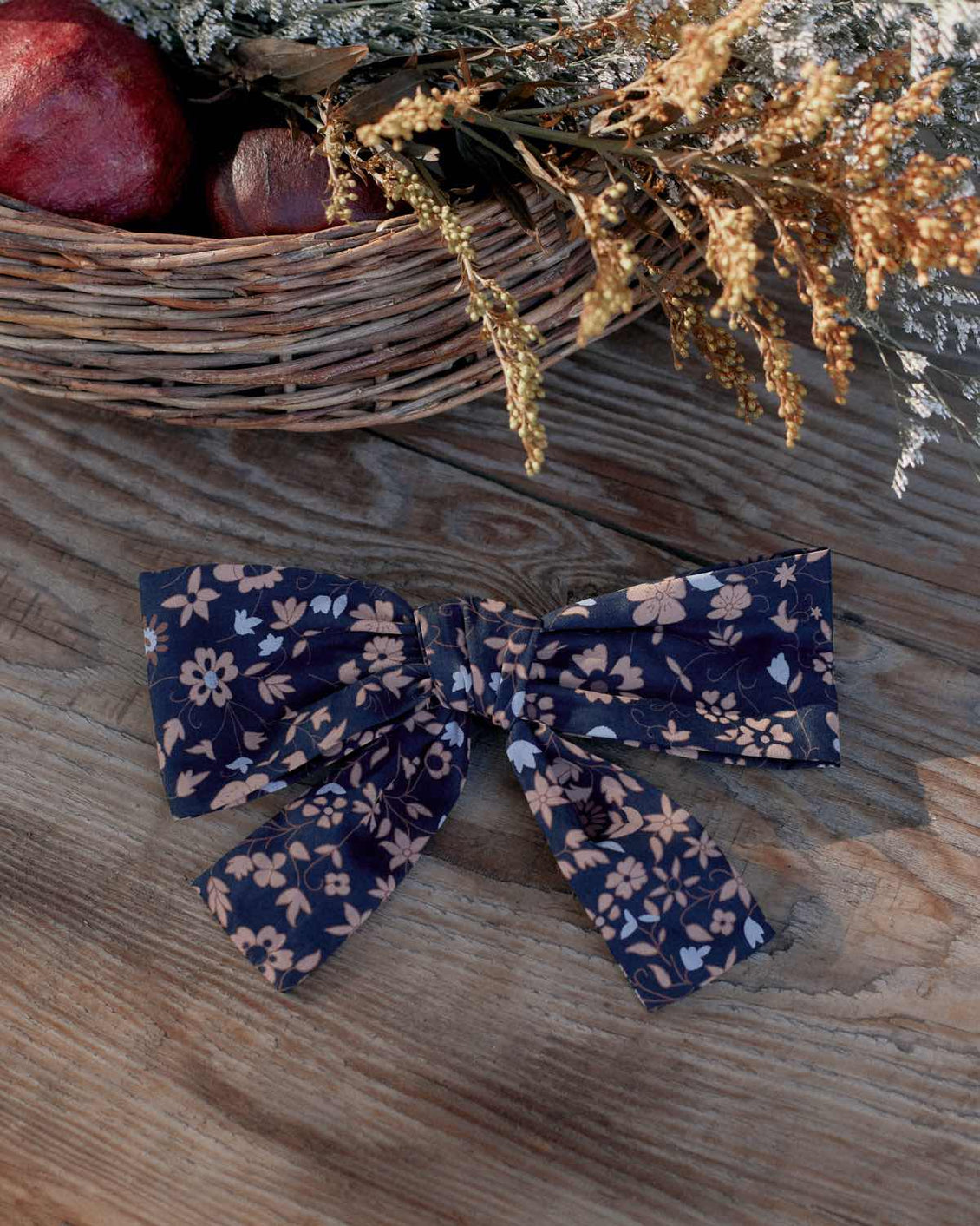 The Yara Hair Clip | Navy Anemone Vine