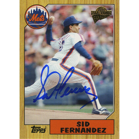 Sid Fernandez Signed 2005 Topps Card - Mets - 1/2 way through pitch side view