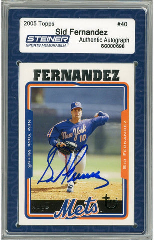 Sid Fernandez Signed 2005 Topps Card - Mets - 1/2 way through pitch front view Slabbed by Steiner