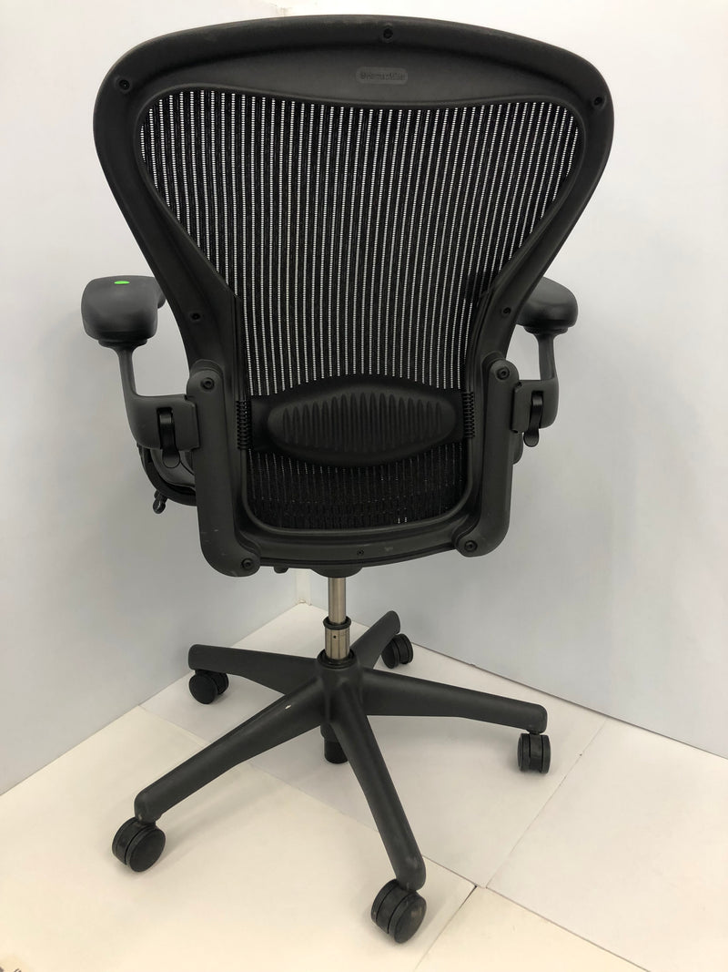Herman Miller Aeron - B in Black