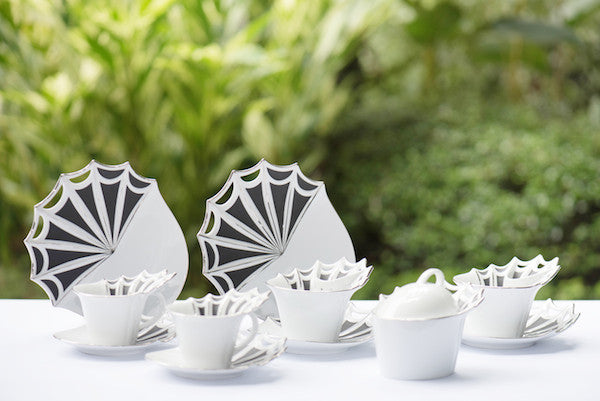 Queenstown Tea Set White Black