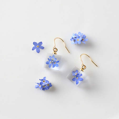 The Great Nature Earrings - Forget Me Not (hook)