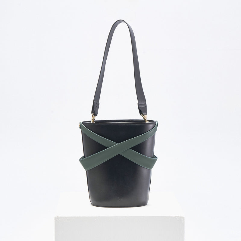 Cage Bucket Bag (black & thyme)