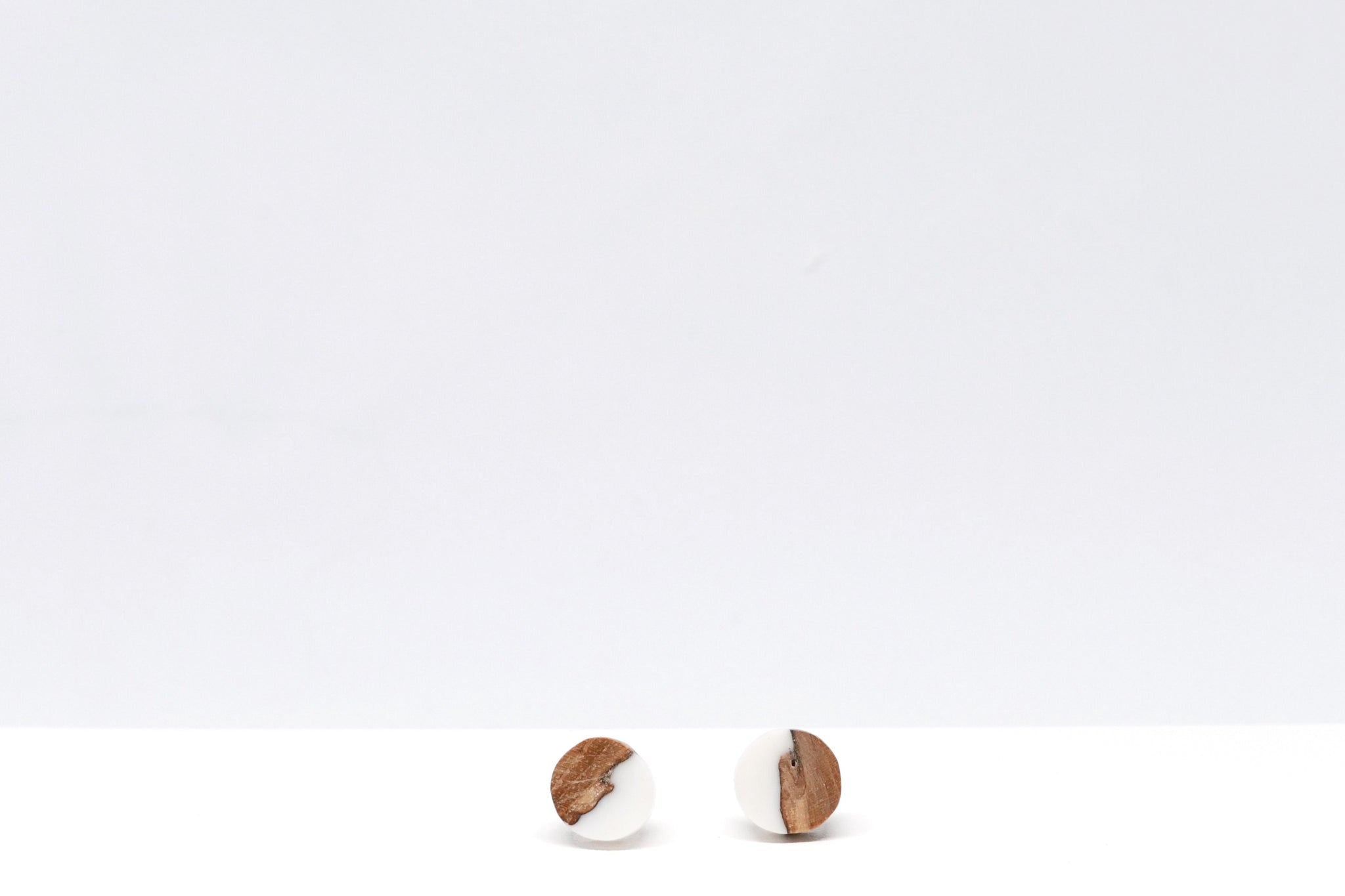 Little Wood Studs (white)