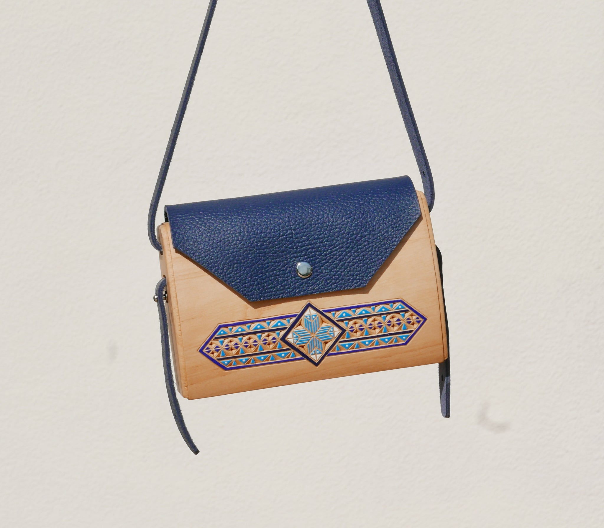Wooden Bags (Envelope . Blue Leather / Cherry Wood / Coloured Patterns)