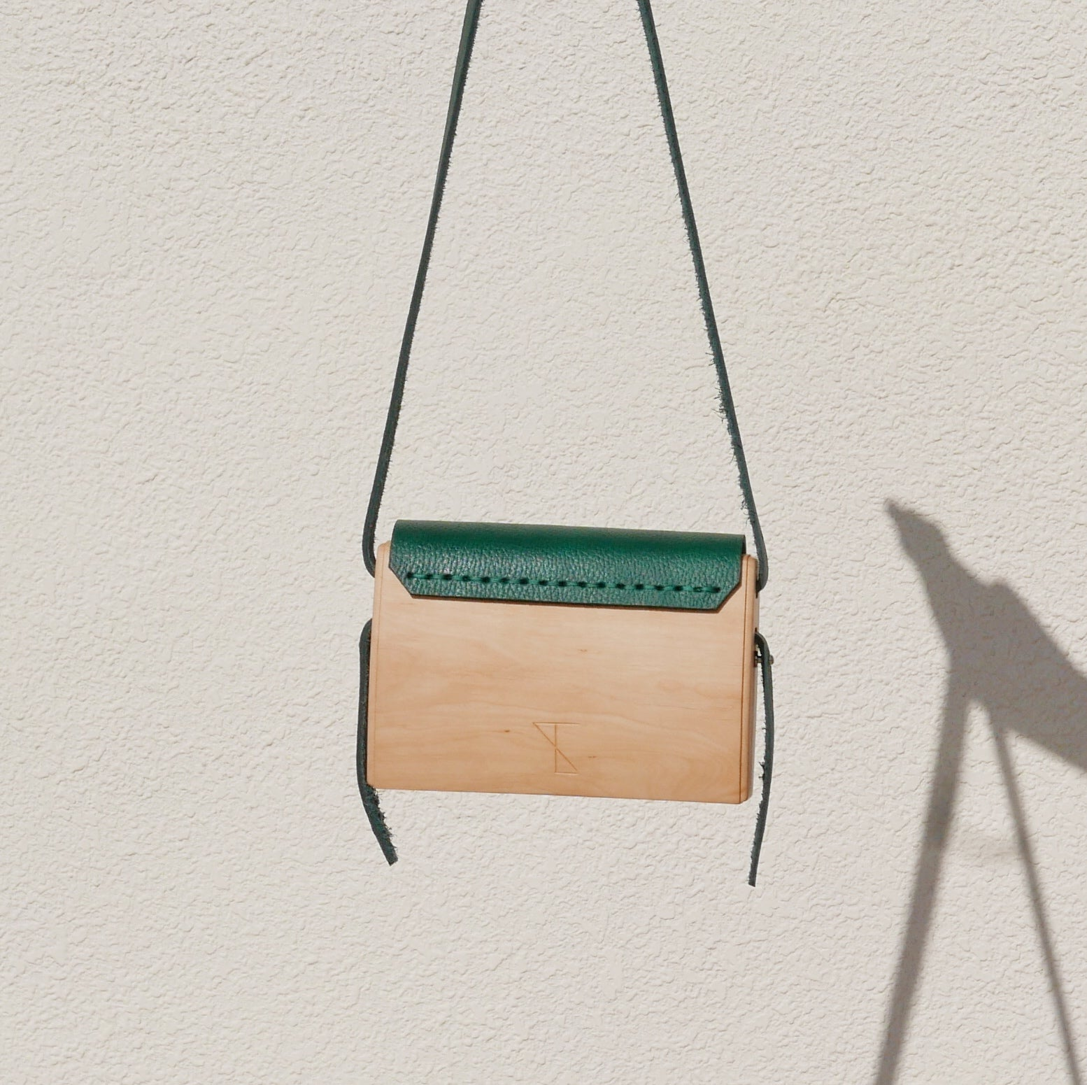 Wooden Bags (Envelope . Green Leather / Cherry Wood / Coloured Patterns)