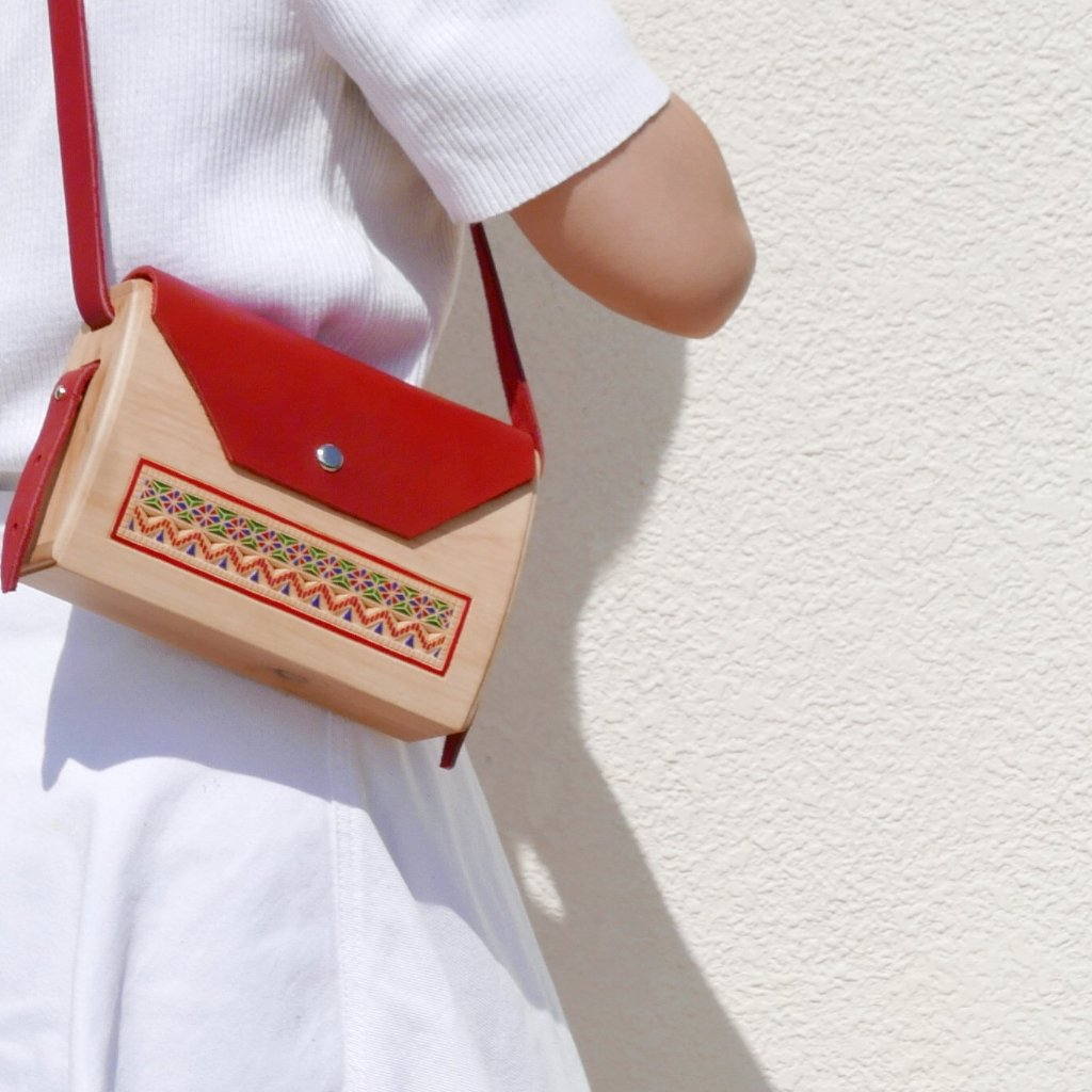 Wooden Bags (Envelope . Red Leather / Cherry Wood / Coloured Patterns)