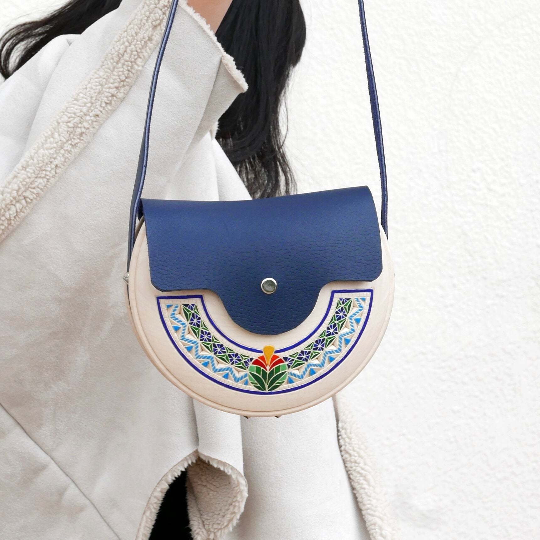 Wooden Bags (Half-Round . Blue Leather / Alder Wood / Coloured Patterns)