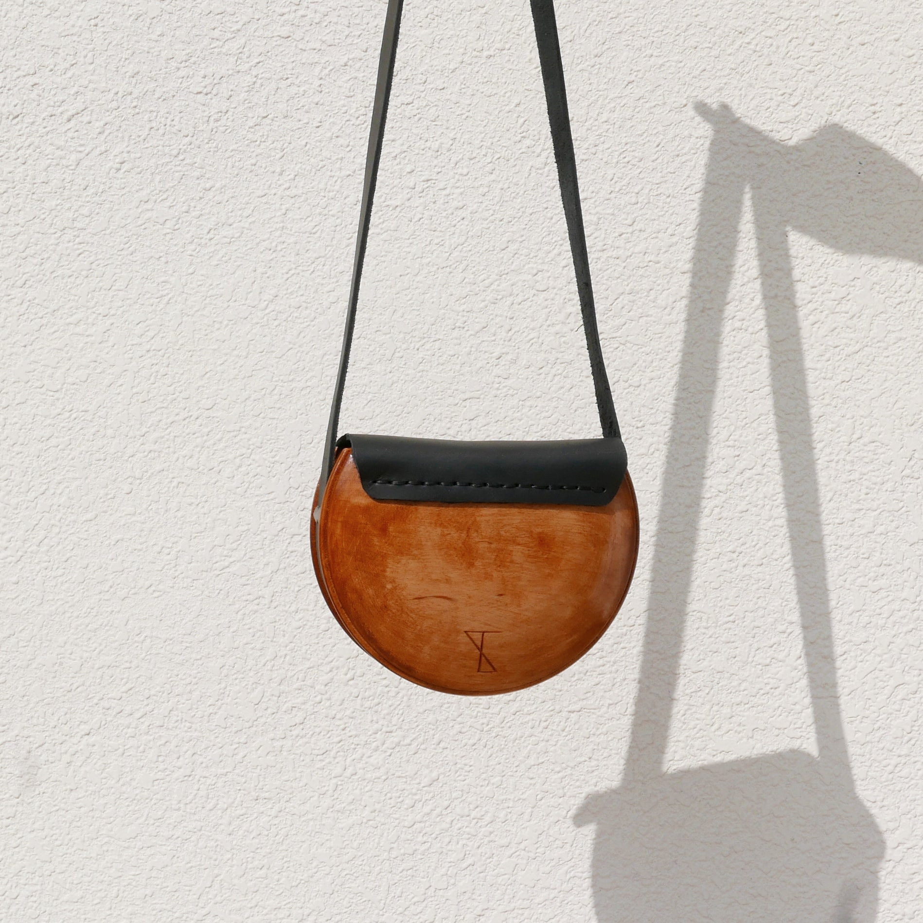 Wooden Bags (Half-Round . Black Leather / Alder Wood / Coloured Patterns)