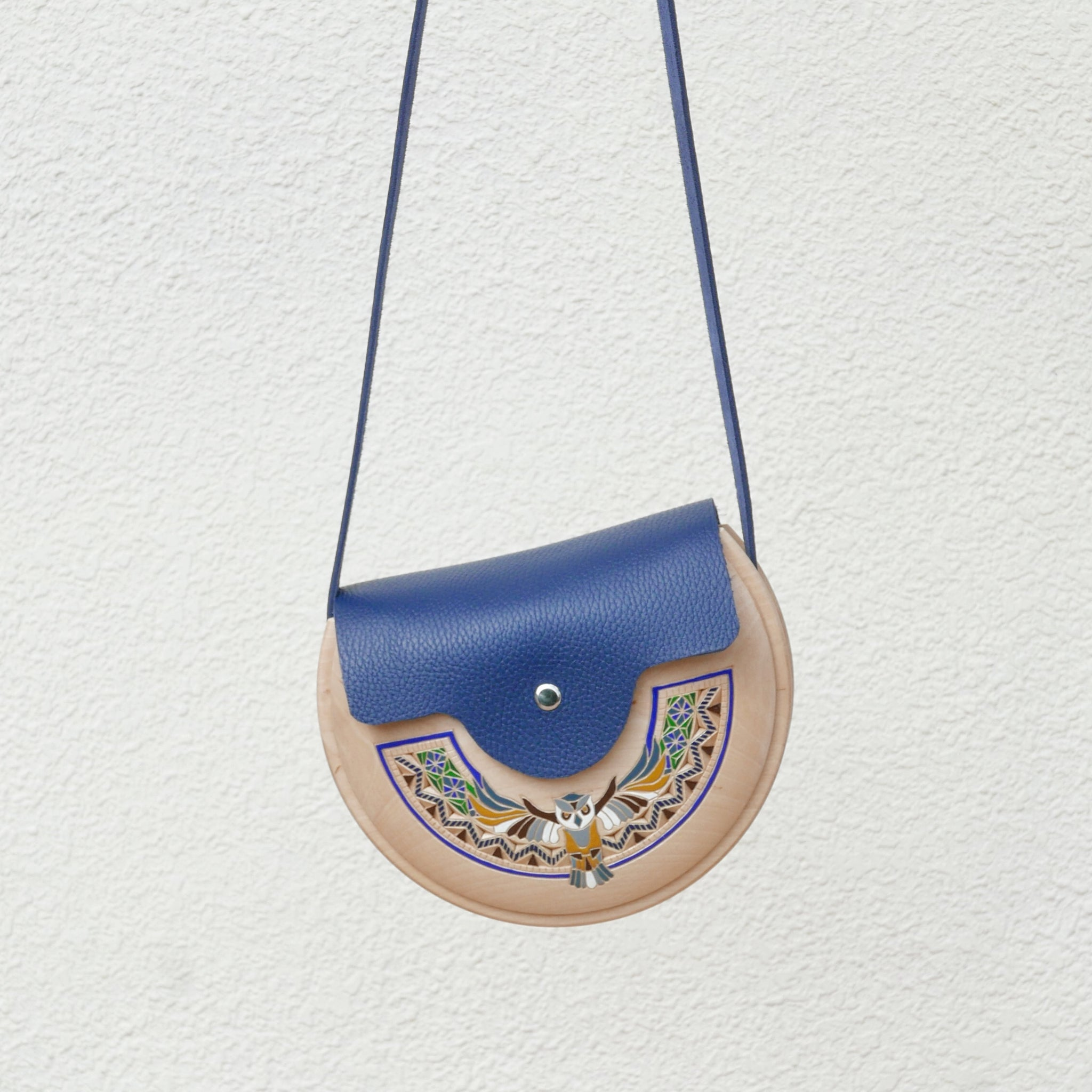 Wooden Bags (Half-Round . Blue Leather / Alder Wood / Coloured Owl)