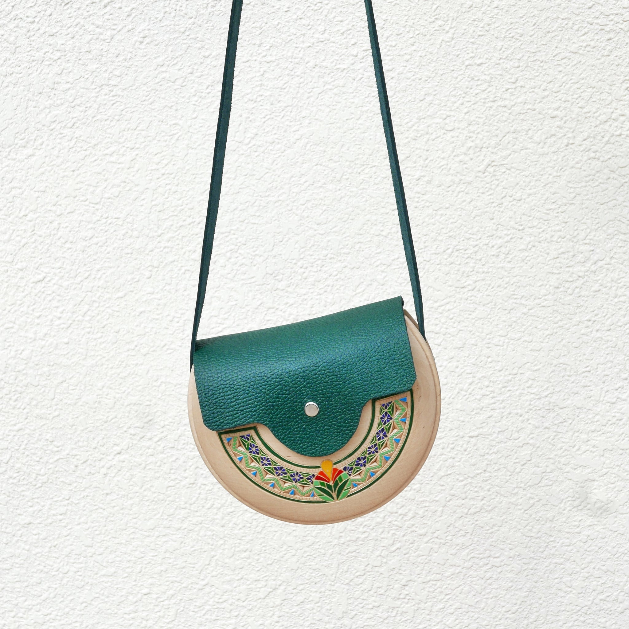 Wooden Bags (Half-Round . Green Leather / Alder Wood / Coloured Patterns)
