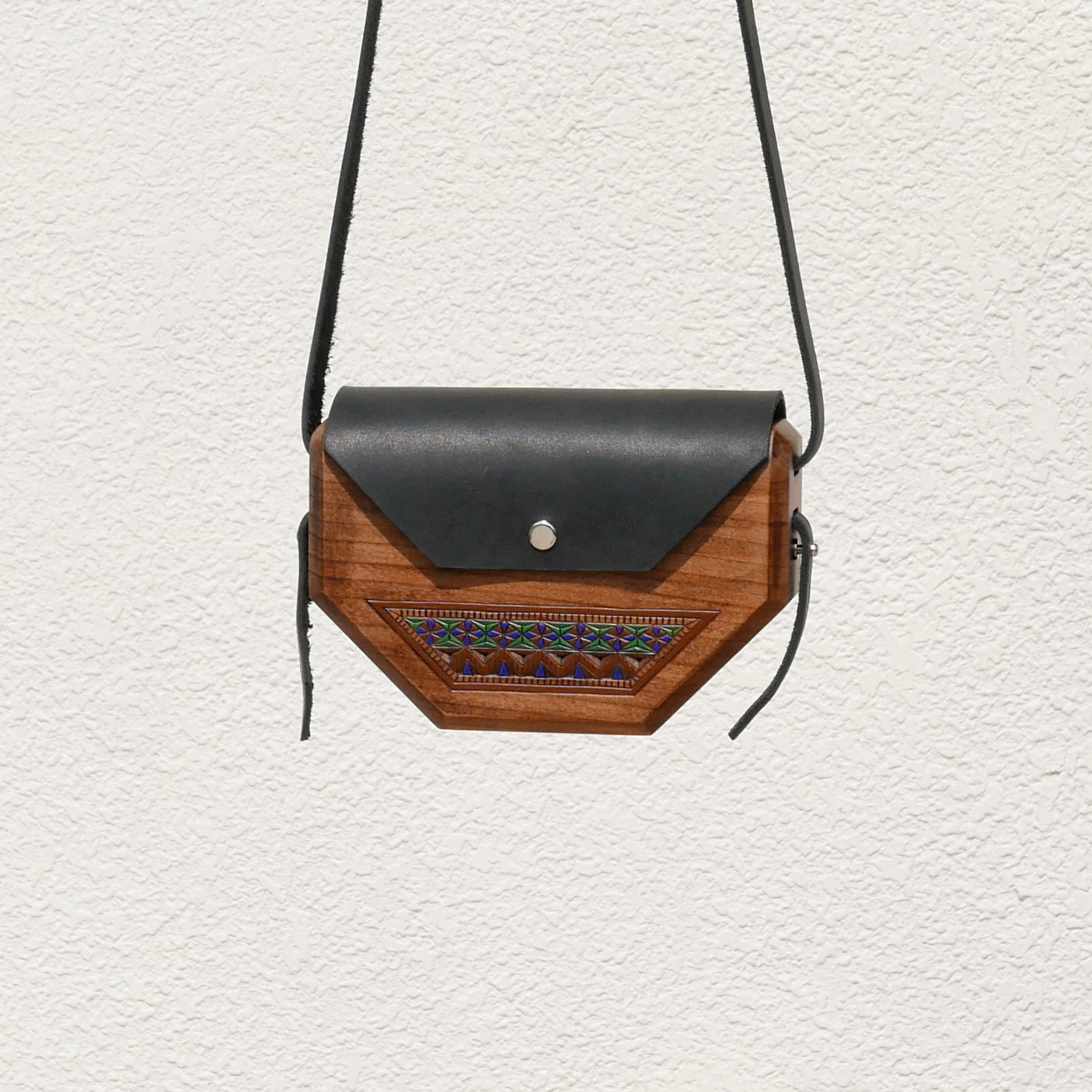 Wooden Bags (Hexagon . Black Leather / Alder Wood / Coloured Patterns)