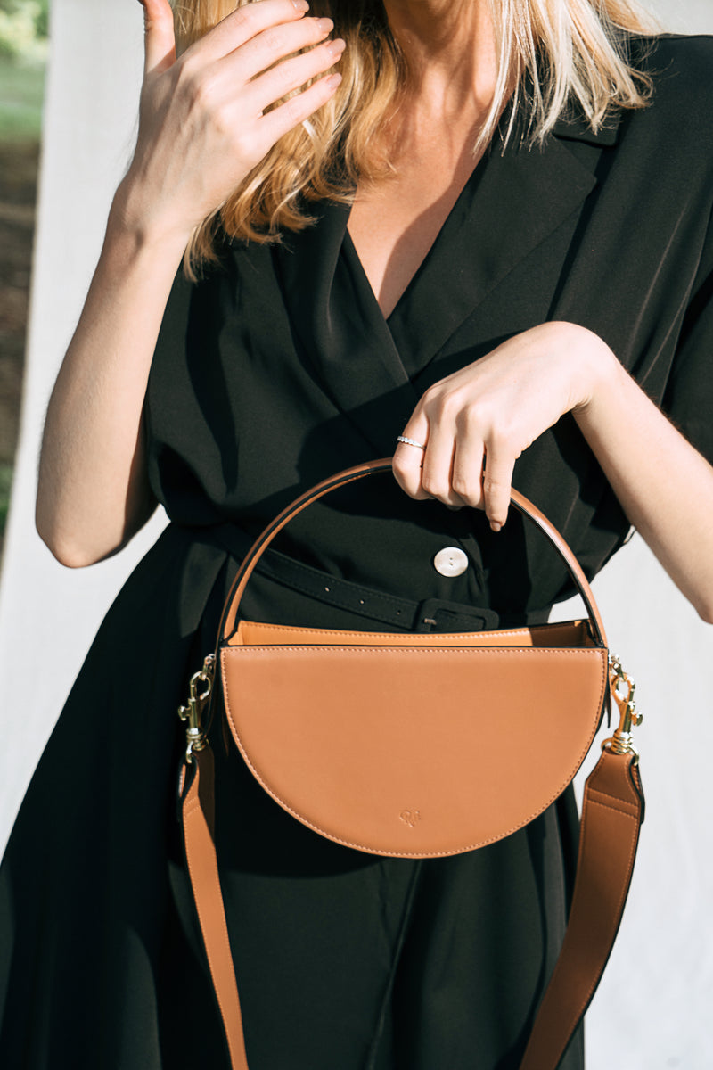 The ONE Bag (caramel & tan)