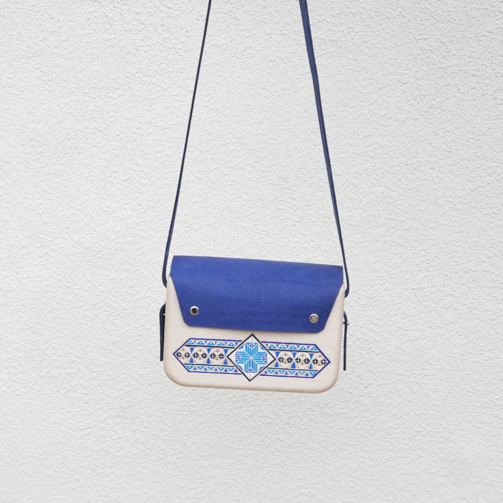 Wooden Bags (Rectangle . Blue Leather / Alder Wood / Coloured patterns)