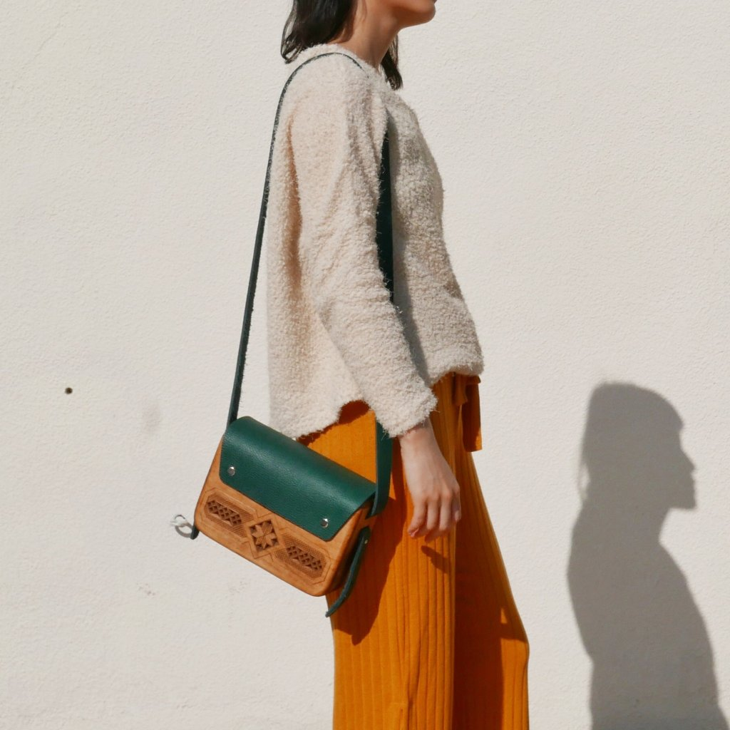 Wooden Bags (Rectangle . Green Leather / Alder Wood / Plain)
