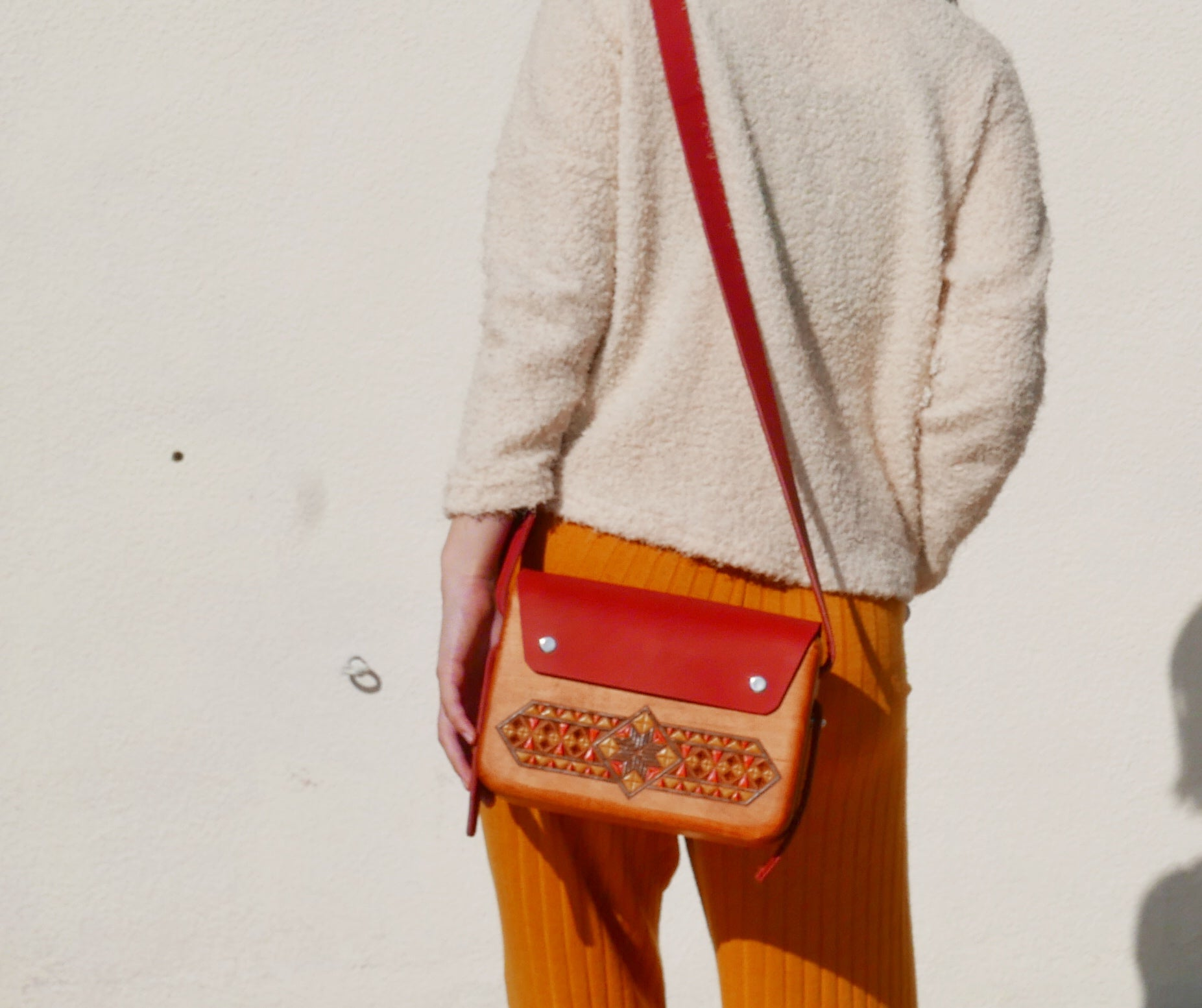 Wooden Bags (Rectangle . Red Leather / Walnut Wood / Coloured Patterns)