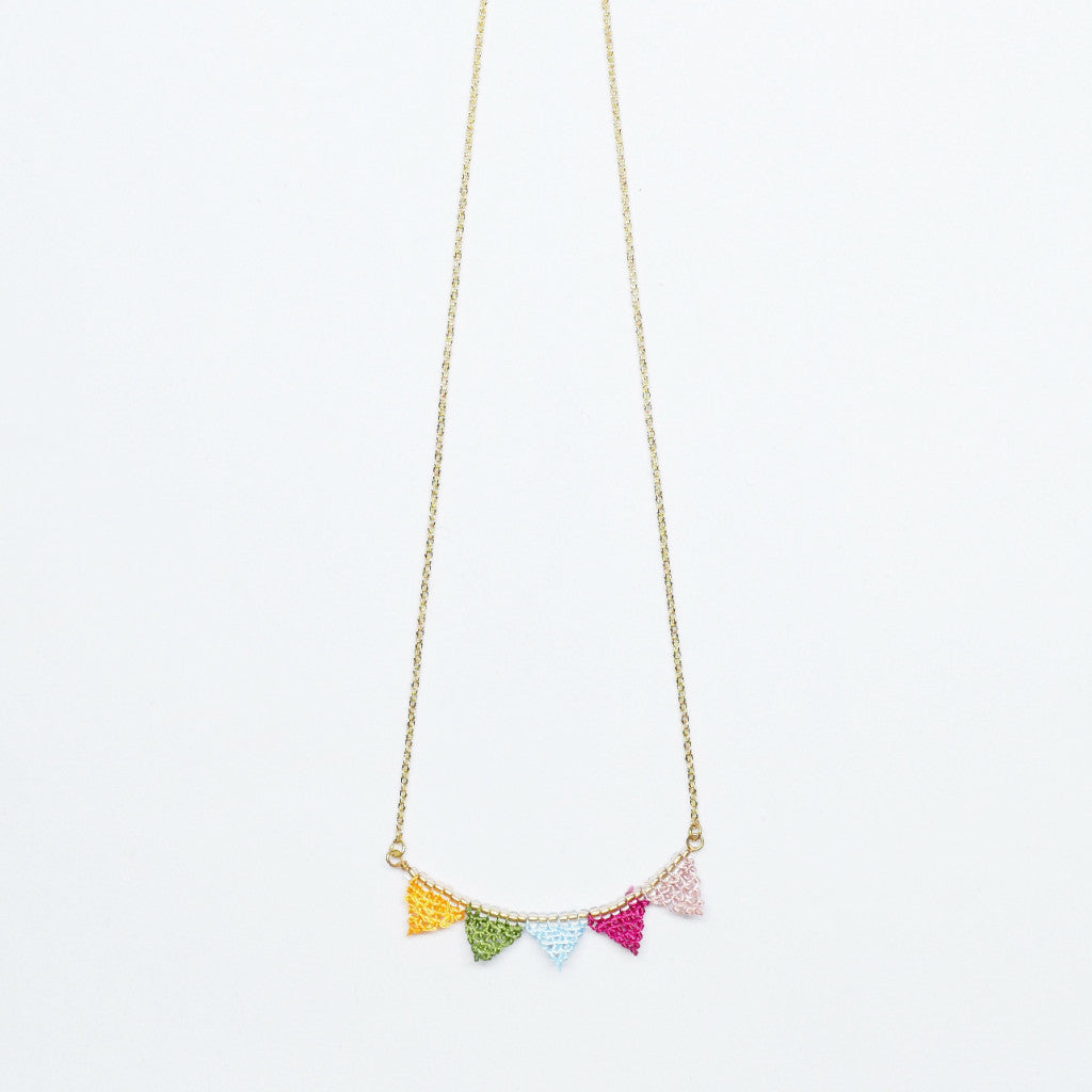 Triangle Flag Necklace . 麻織小旗子頸鏈