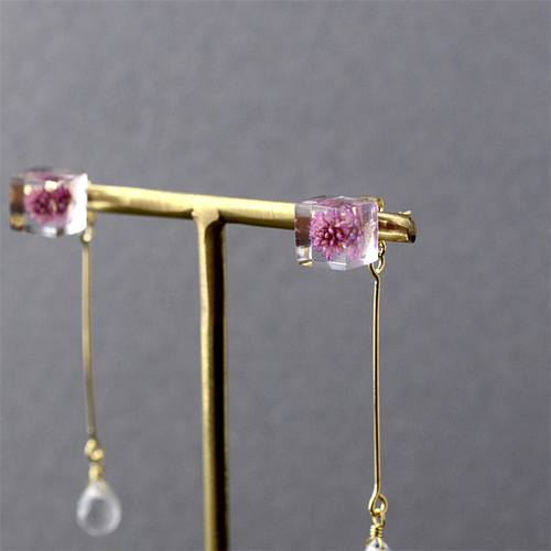 The Great Nature Earrings - Persicaria Capitata (drop | flower studs)