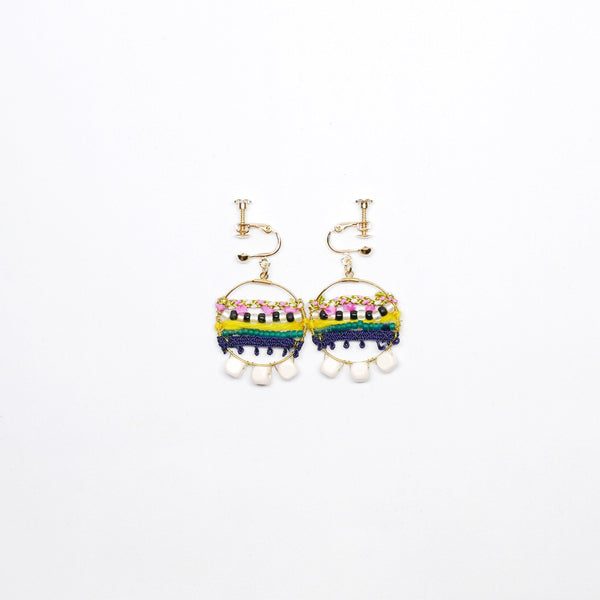 Knitted Circle Earrings (clip-on white)