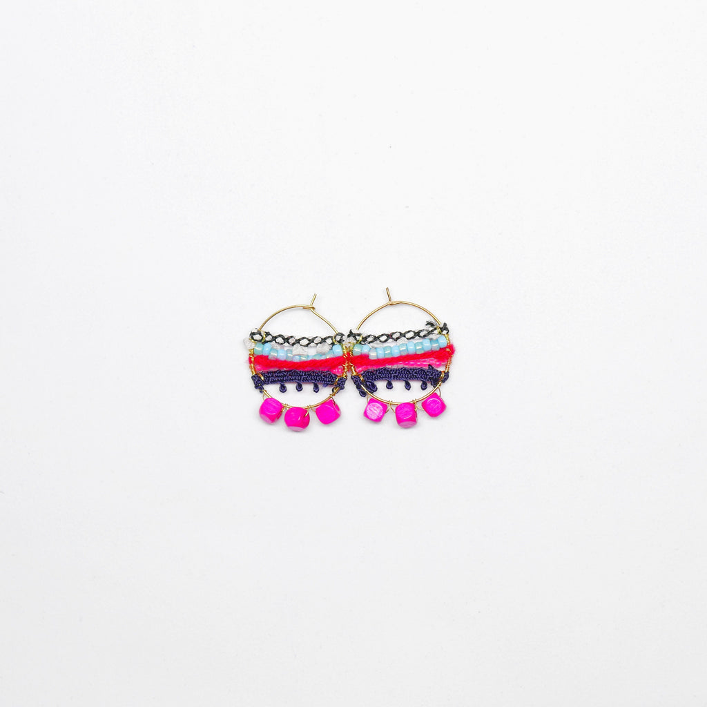 Knitted Circle Earrings (Pink) . 冷織圈耳環 (粉紅色)