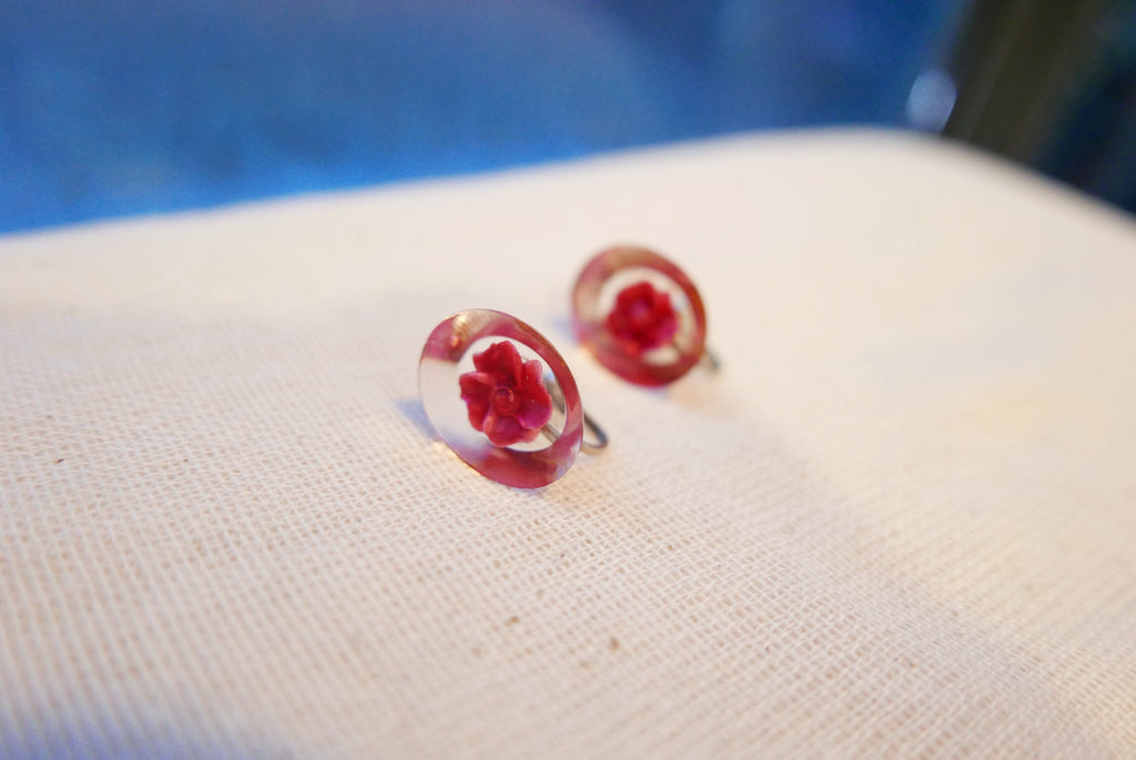 Rose Clip-on Studs  (Red) . 紅玫瑰夾耳環